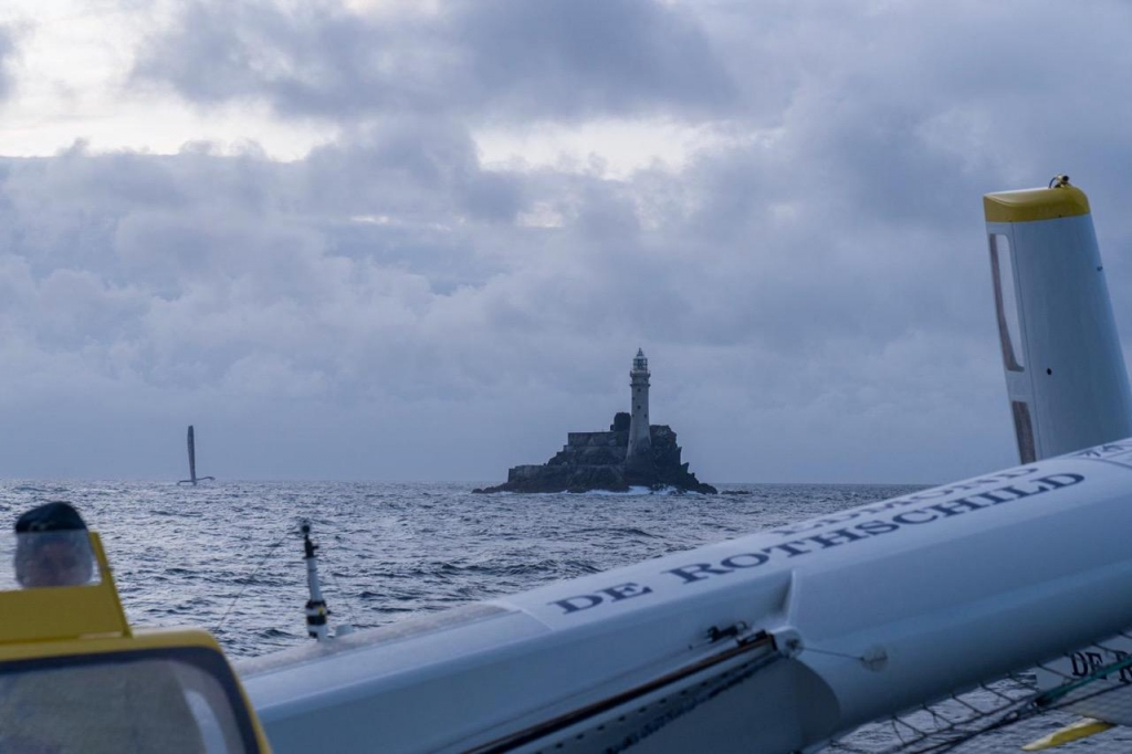 Ultim Maxi Edmond de Rothschild sets a new record to the Fastnet Rock © Yann Riou
